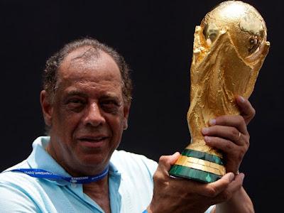 Carlos Alberto Torres capitão da seleção brasileira do Tri