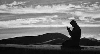 3 Doa yang Tidak Akan Dikabulkan Allah SWT