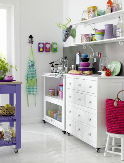 Kitchens with lots of color 7