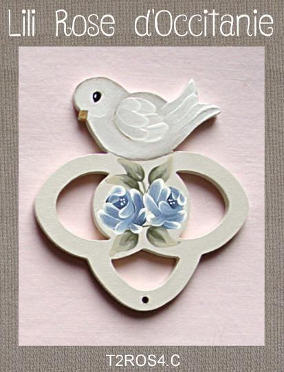 """Tri-fils 3 anneaux bois peint """"Colombe et roses bleues"""". Broderie et point de croix"""