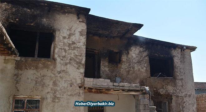 Diyarbakır Bismil Yukarı Salat Köyünde çıkan yangında 1 kişi hayatını kaybetti