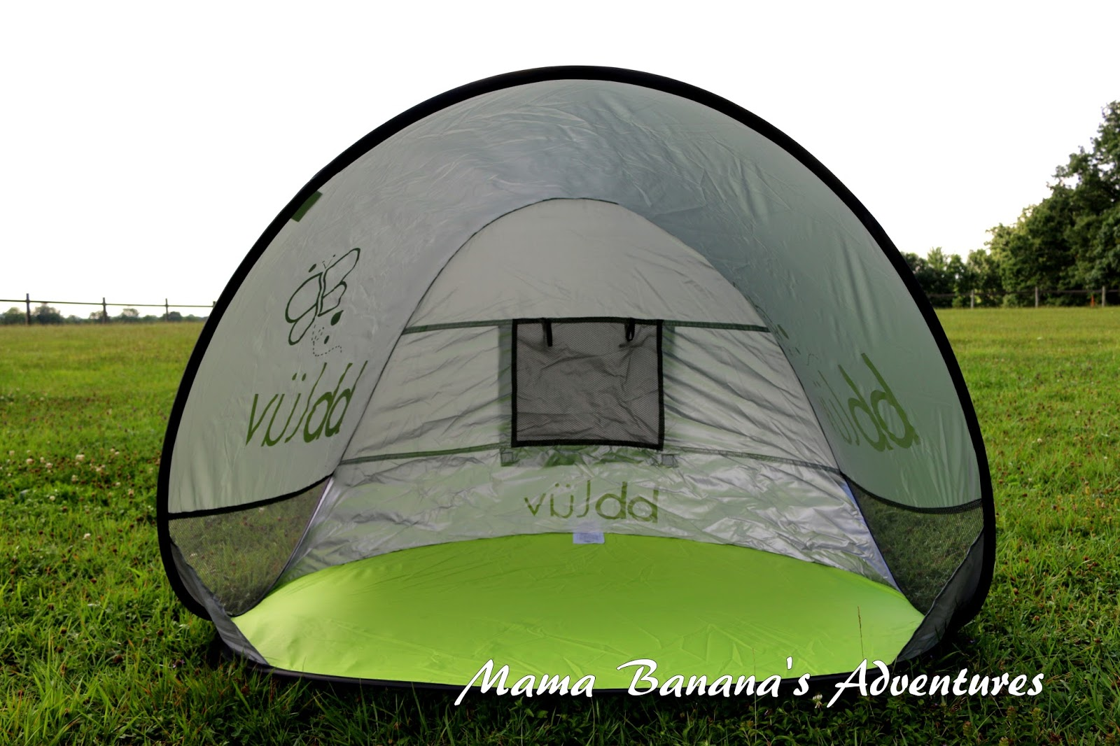 I love the little bbluv Suni Anti-UV tents. It pops open with a spring the kids have a blast and I find it easy to fold.  sc 1 st  Mama Bananau0027s Adventures & bbluv Suni Anti-UV Sun and Play Tent u2013 Mama Bananau0027s Adventures
