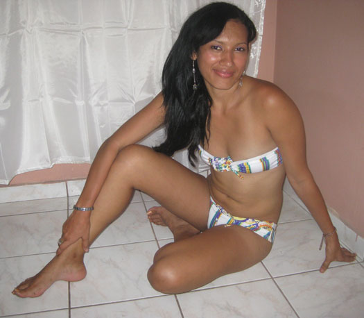 Hot Blog Post Sri Lankan Sexy Bikini Girl-4361