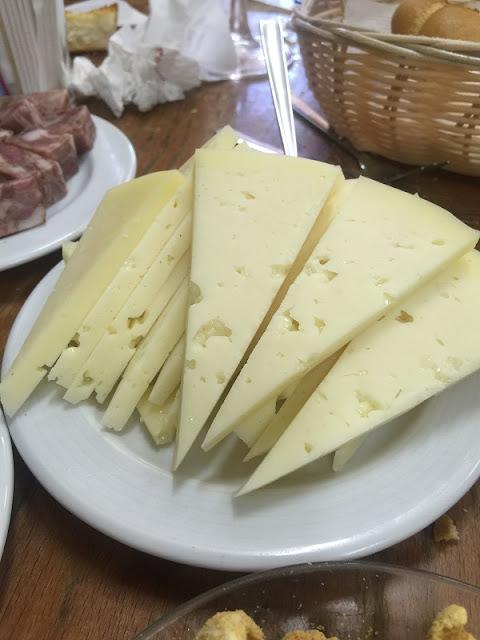 Plato de queso de la bodega Fila el labrador
