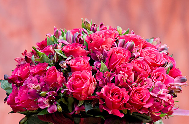 Flores De Aniversario: Passo A Passo: Aprenda A Montar Um Arranjo Floral E Deixe