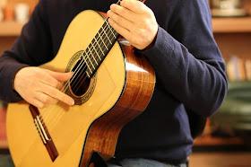 Belajar Tremolo Gitar Klasik untuk Pemula