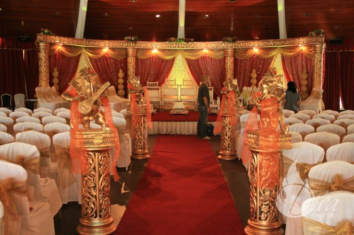 Wedding Chair Covers Montreal Cars Lounge Omega Design Events Nite Mix Entertainment Quebec Canada Beautiful Custom Designed Mandaps For Hindu Ceremonies In The Greater Lanterns Ganesh Table Decor Doli Rentals And So Much