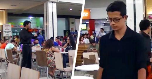 Un caído más; propone matrimonio y lo batean en centro comercial