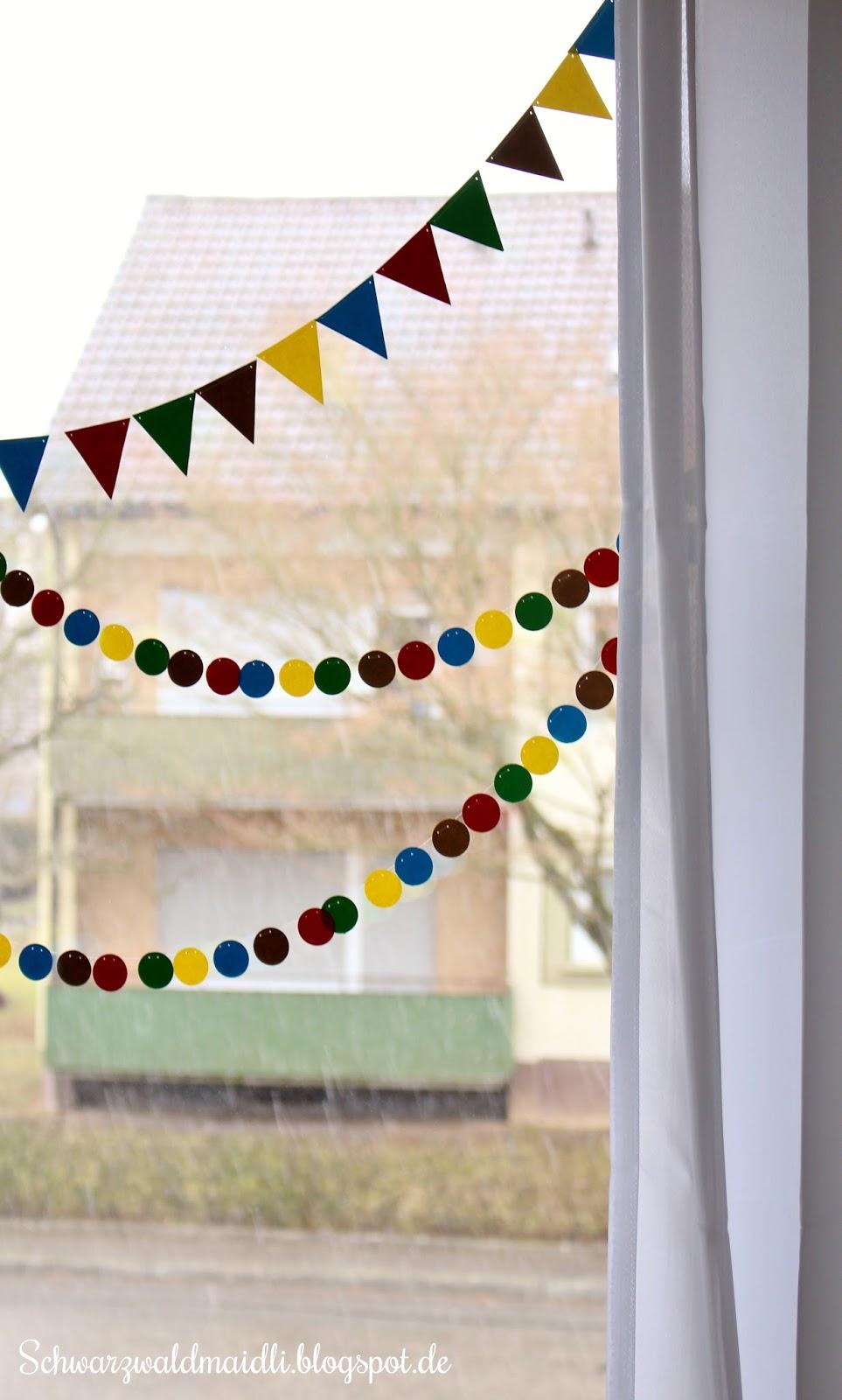 Schwarzwaldmaidli diy n rrische fensterdeko im kinderzimmer for Fensterdeko kinderzimmer
