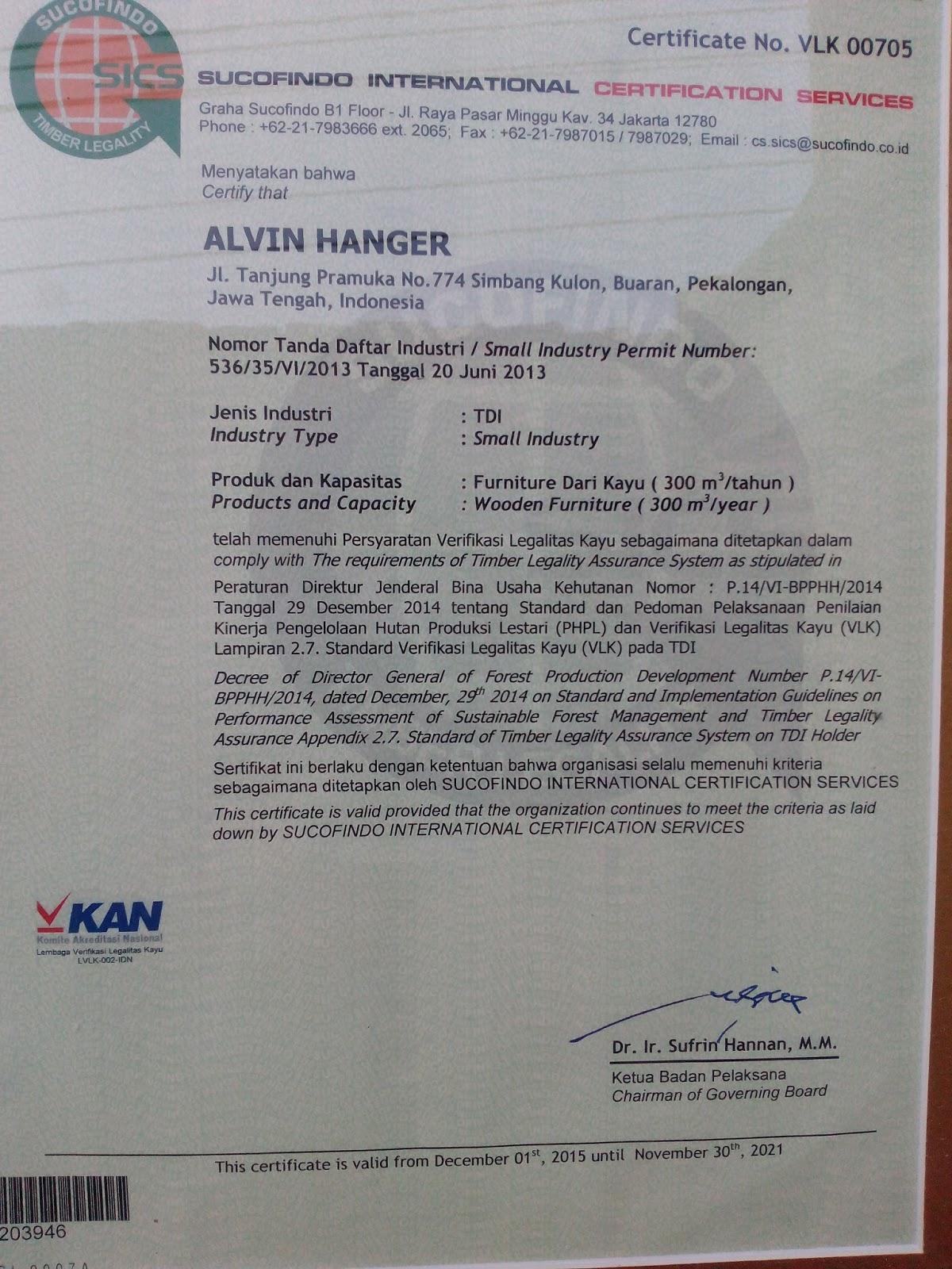Alvin Hanger Kayu Pinuss