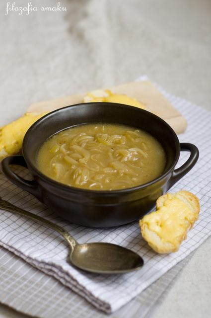 Zupa z cebulą przepis