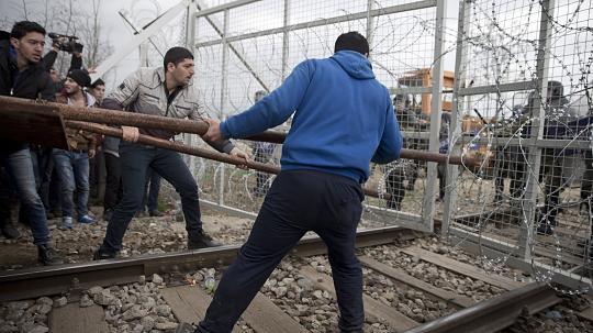 UN rights chief slams Macedonia for migrant detentions