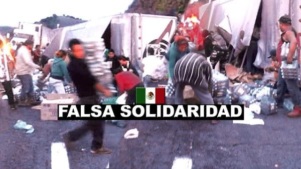 Me dueles México: Se vuelca camión con víveres para damnificados por temblor y la gente aprovecha para robarse la mercancía.'