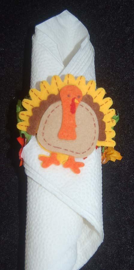Lynn 39 s craft blog easy thanksgiving napkin rings and for Napkin rings for thanksgiving