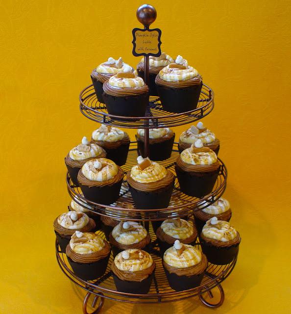 pumpkin-spice-latte-cupcakes-recipe-pie-toppers-deborah-stauch