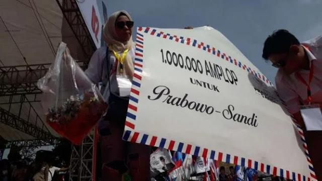 Kampanye di Tangerang, Sandi Disawer Ribuan Simpatisan 1 Juta Amplop