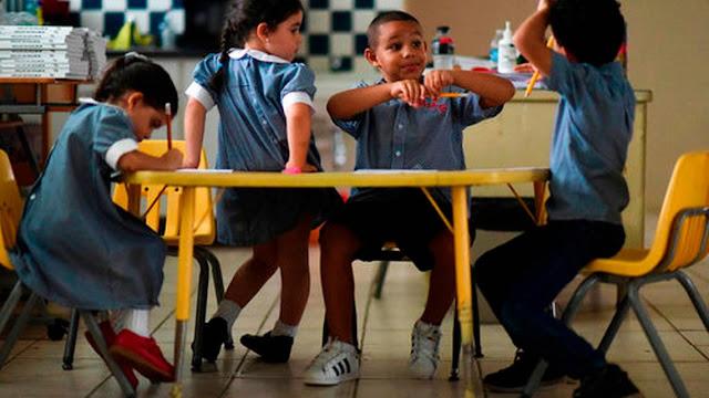 Puerto Rico cerrará 283 escuelas por falta de alumnos