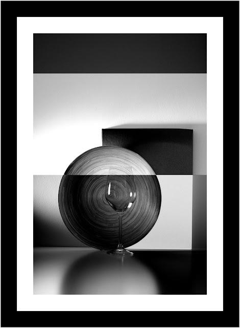 Widzialność autora - Autoportret. Kompozycja abstrakcyjna. Fotografia czarno-biała. fot. Łukasz Cyrus, 2017r.