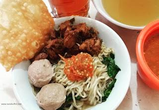 pakai fitur chat baru gojek bisa chat antar teman sekaligus patungan pesan makanan nurul sufitri mom lifestyle blogger traveling health culinary review