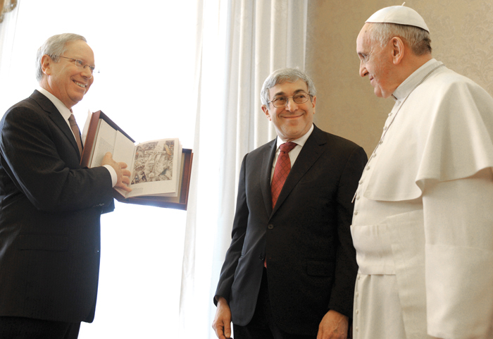 Call Me Jorge...: Francis receiving a blasphemous gift ... Chagall White Crucifixion Pope Francis