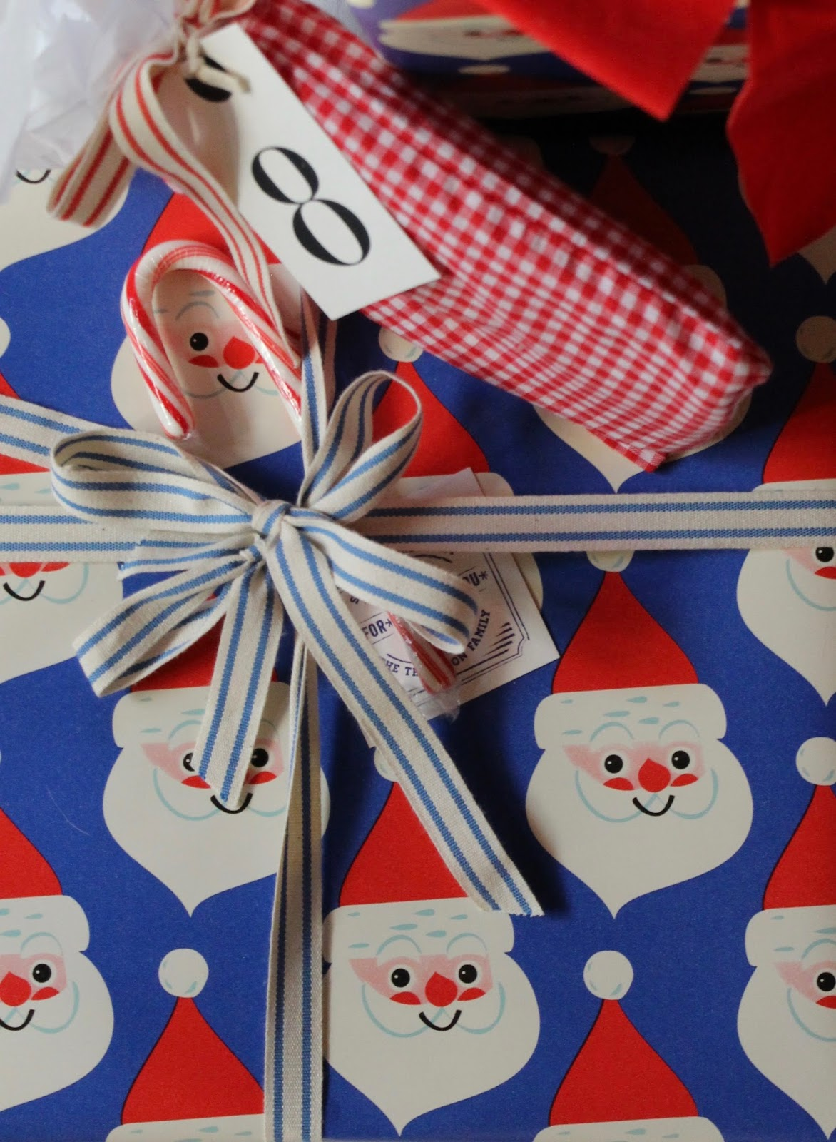My Sweet Savannah: ~festive gift wrapping ideas~{think outside the ...
