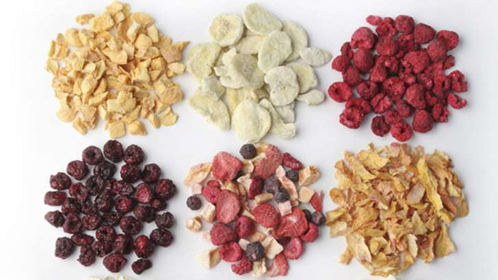 Bags of dehydrated fruit-7 foods to eat between hours that are not as healthy as you thought