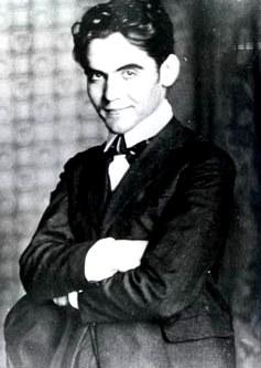 Foto de Federico García posando sonriendo