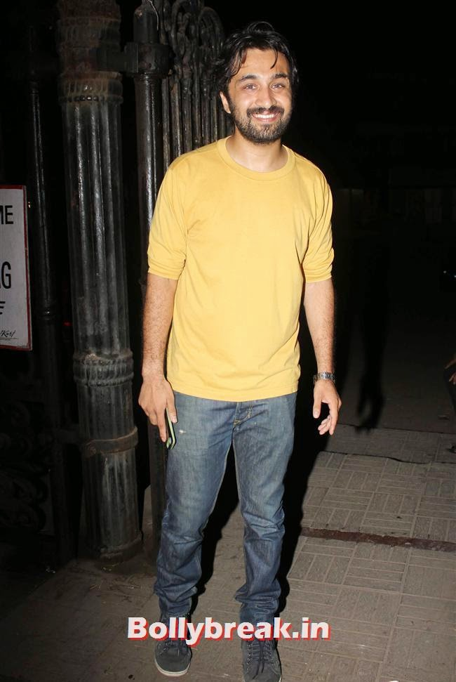Siddarth Kapoor at Sanjay Gupta's party for writer Milap Zhaveri, Kainaat, Huma & Manjari at Sanjay Gupta Party for Milap Zaveri