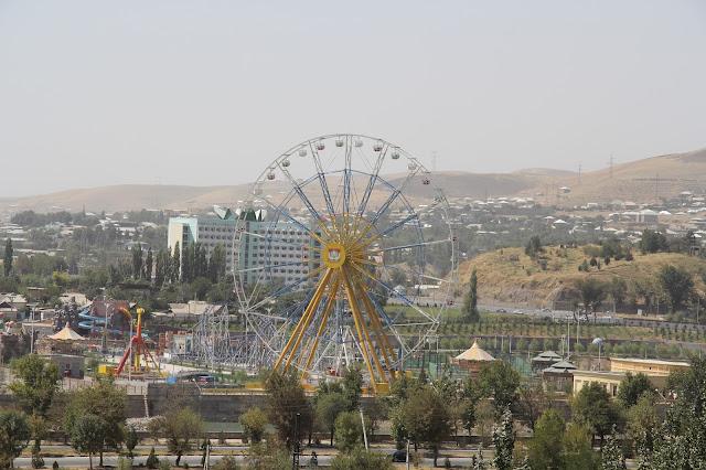 Tadjikistan, Dushanbe, parc d'attractions, © L. Gigout, 2012