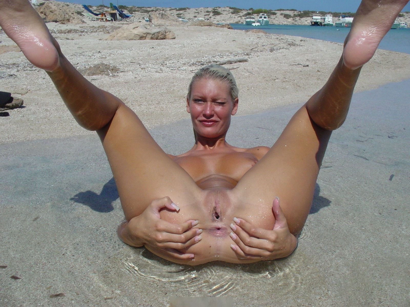 Hot blonde aruba j fucking her ass with dildo 3