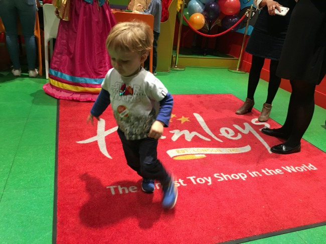 Toddler-in-Hamleys-toy-shop
