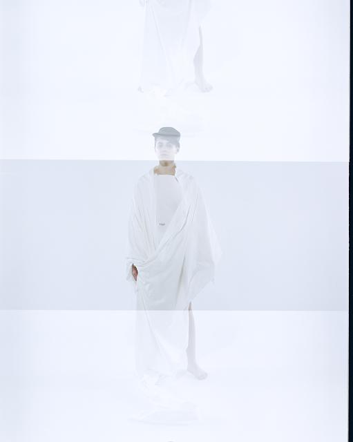 ESSAY AUTUMN WINTER 2017 / AW17 / FASHION BRAND - DESIGN LABEL  /  TOKYO JAPAN  / DESIGNER  RYUSUKE KASE  HIROHIDE TAKEI / STYLING KENTARO HIGAKI  / PHOTOGRAPHY YUICHIRO NODA