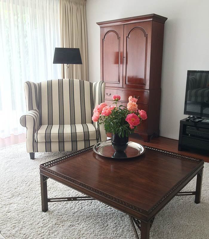 Flores na decoração da sala de estar