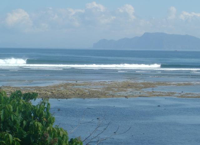 Pantai Plengkung (Plengkung Beach)