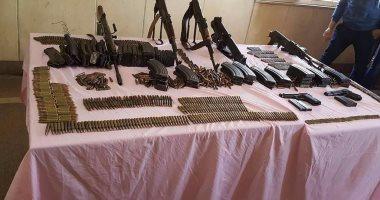 ضبط اسلحة داخل حظيرة مواشي بالجيزة