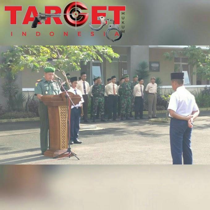 Kapten CPM Saryono Danramil Wedarijaksa Memberikan Wawasan Kebangsaan Kepada Siswa Siswi