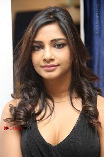 Telugu Actress Kamna Singh Stills in Black Dress at Bharat Thakur Art Exhibition Launch  0001.jpg
