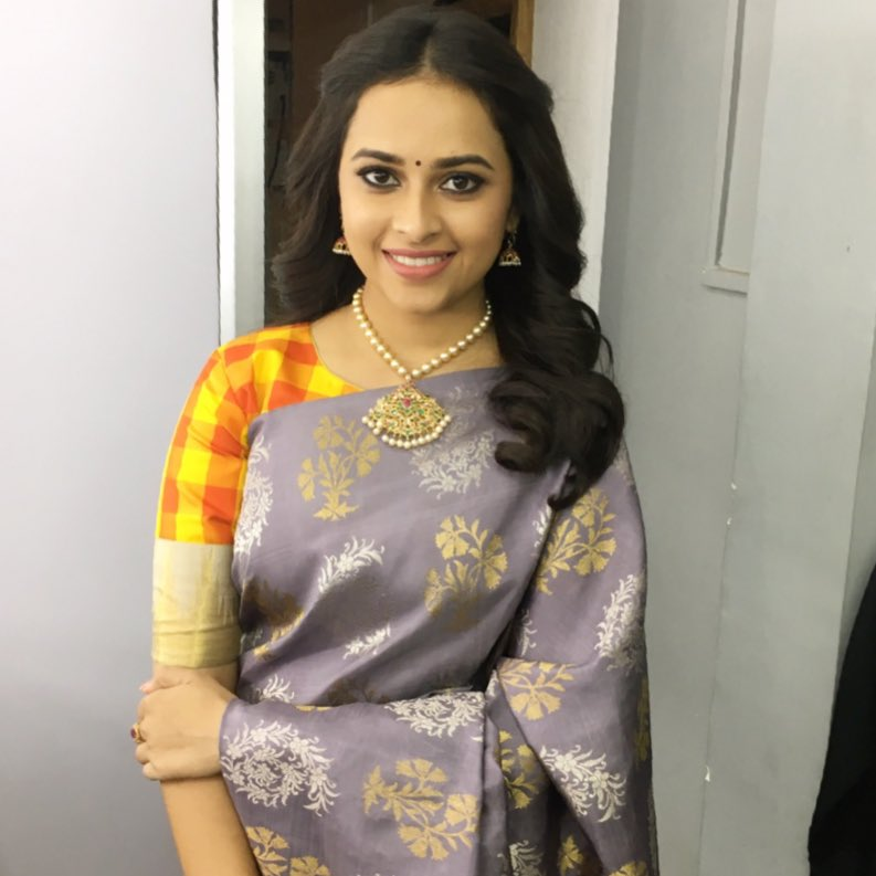 Actress Sridivya Latest Images