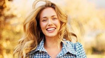 Ο απίστευτος τρόπος για να έχεις λευκότερα δόντια