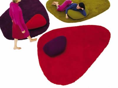 Carpets that distinguish 10
