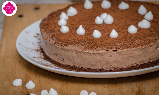 Duo de chocolat: entremets au chocolat sur base de gâteau au chocolat