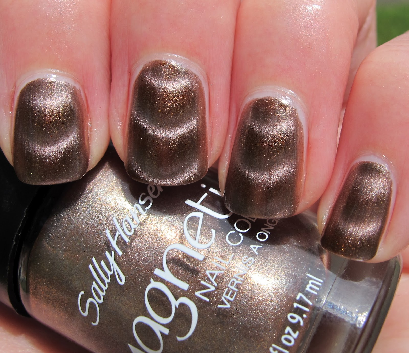 Never Enough Nails: Sally Hansen Golden Conduct Magnetic Polish