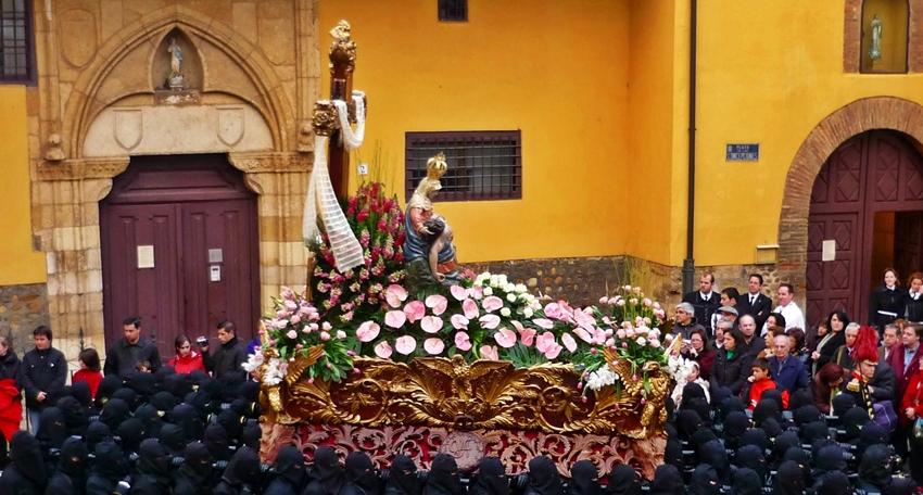 Virgen de las Angustias. Cofradía de Nuestra Señora de las Angustias y Soledad. León. Foto A. Márquez.