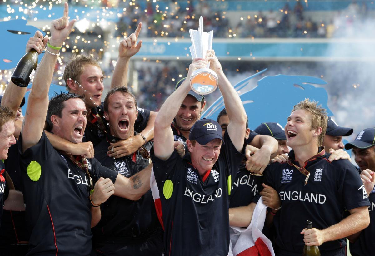 https://3.bp.blogspot.com/-SFT4HwIRbTU/T9SMbA1Ur-I/AAAAAAAAAQc/l-ovKV4QZxA/s1600/Englands-captain-Paul-Collingwood-holds-the-trophy-as-they-celebrate-victory-over -Australia-in-the-2010-Twenty20-Cricket-World-Cup-Final.jpg