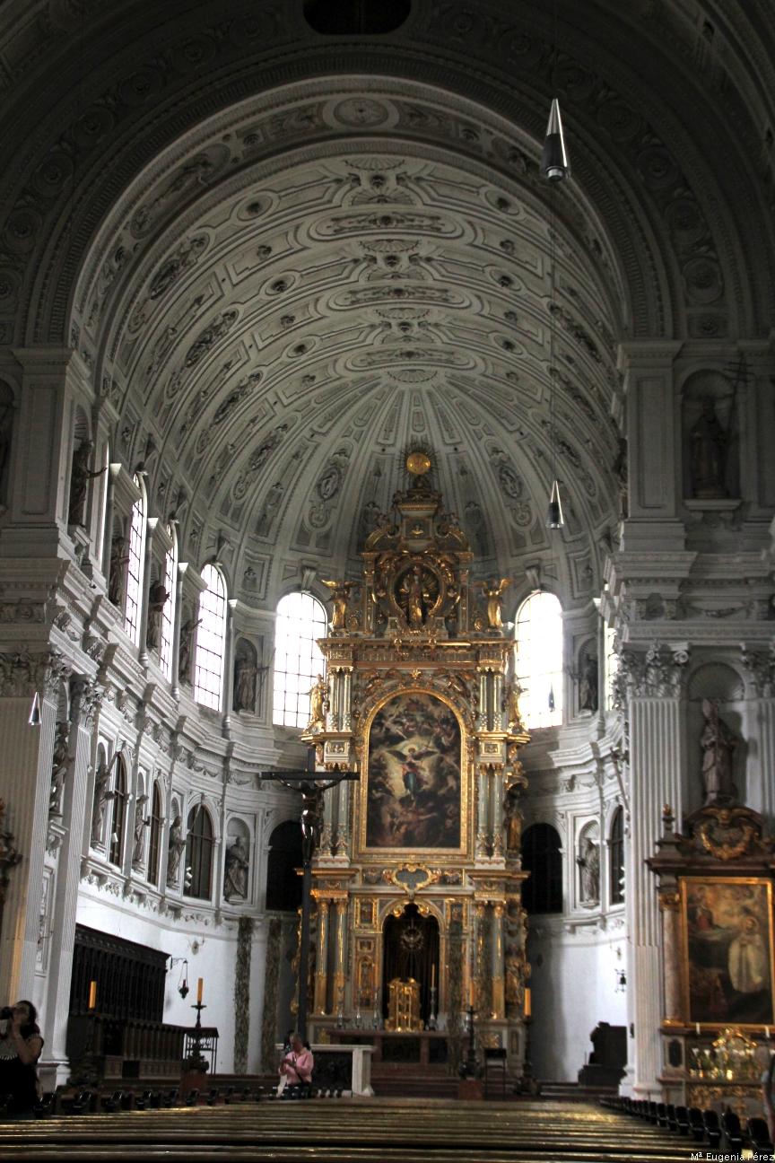 Postales del mundo cr nica 5 iglesia de st michael for Puerta jakober augsburgo