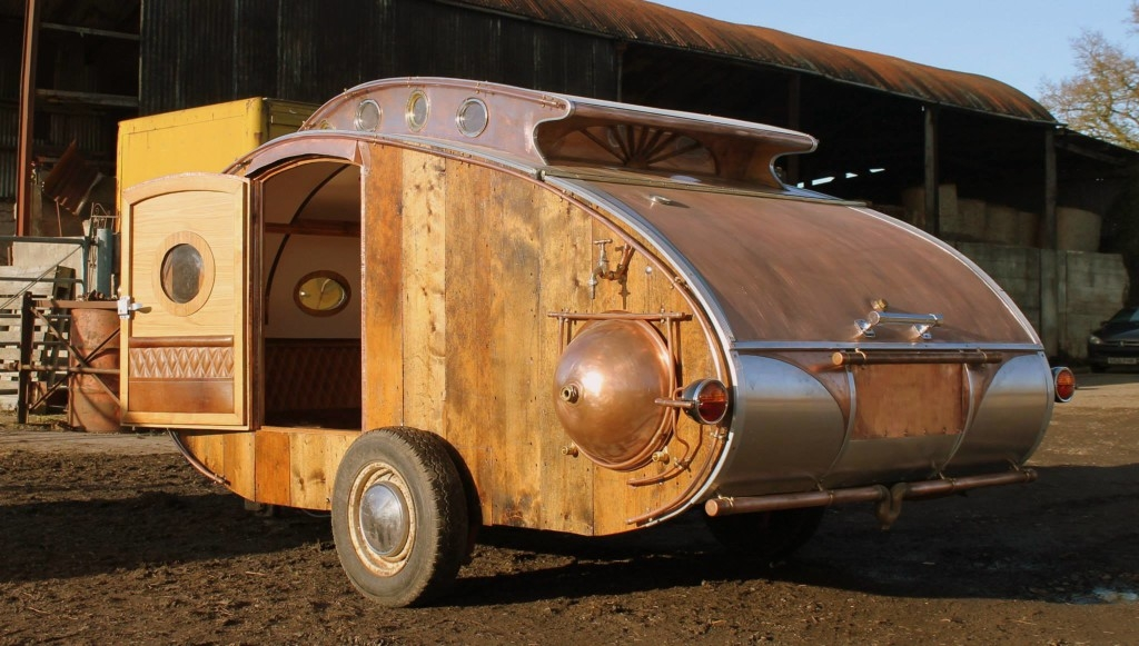 02-Dave-Moult-Tiny-Steampunk-Architecture-with-the-Teardrop-Trailer-www-designstack-co