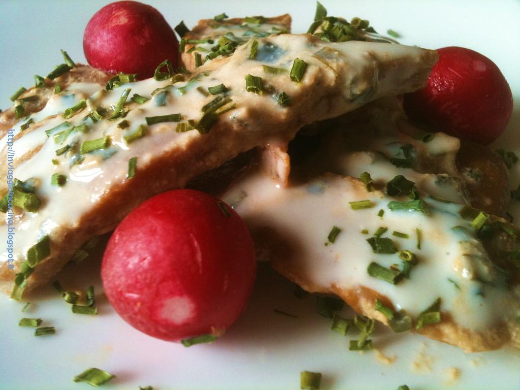 Filetto di seitan con erba cipollina, senape e yogurt di soia