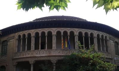 fachada colegio Gascón y Marín Zaragoza
