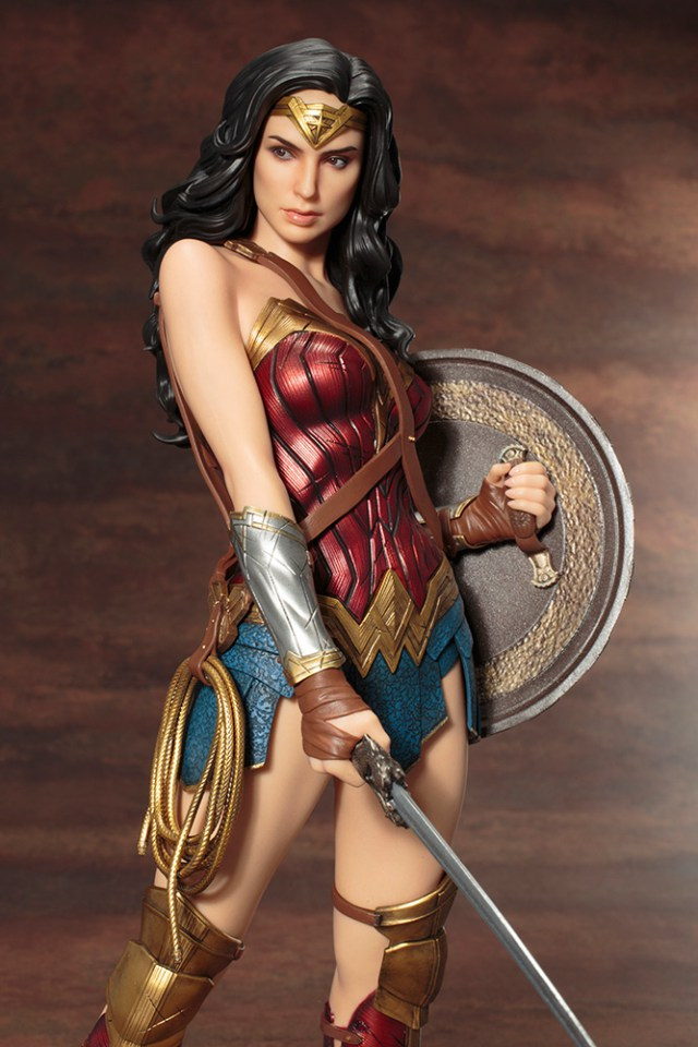Action Figures: Marvel, DC, etc. - Página 5 WonderWoman_06