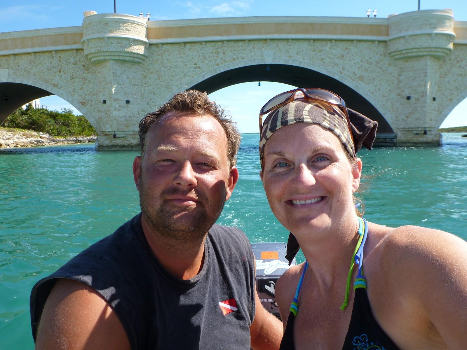 Pète pis répète sen vont en bateau: Crab Cay en dinghy